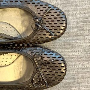 Me Too Halle Ballet Flats Silver Size 7
